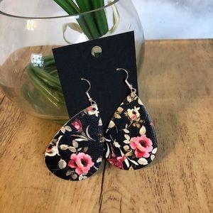 🆕 Black Floral Faux Leather Teardrop Earrings